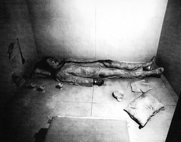 "Paul Thek, ""The Tomb - Death of a Hippie"", Stabel Gallery, New York, 1967, installation view"""
