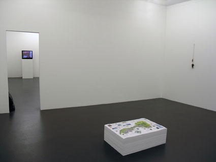 "Claire Fontaine, ""How to?"", Kunsthalle Zürich, 2007, Installationsansicht"